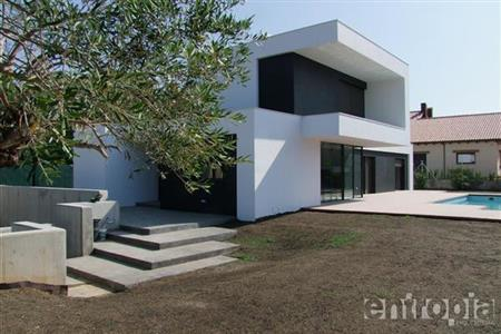 DETACHED FAMILY HOUSE IN RODA DE BARÀ (TARRAGONA)
