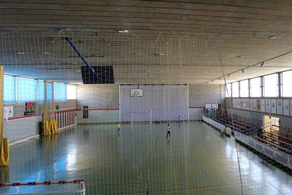 CHANGING THE HEIGHT OF A SPORTS CENTER IN L'HOSPITALET DE L'INFANT (TARRAGONA)
