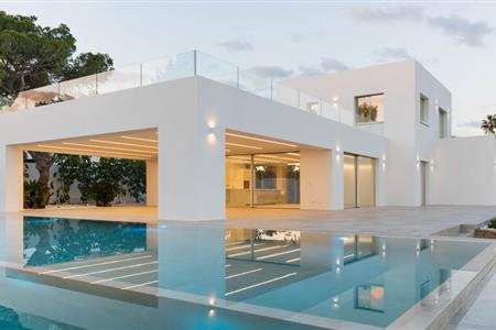 DETACHED HOUSE ON A CLIFF IN JAVEA