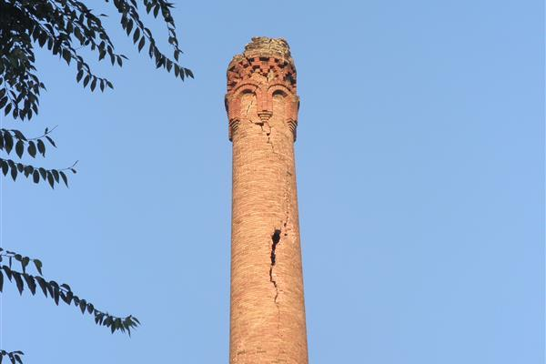 Supervision of the demolition of the chimney of a nightclub named La Fabrica